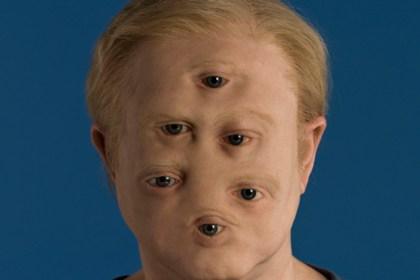 Bilder föreställer ett ansikte med sex ögon.