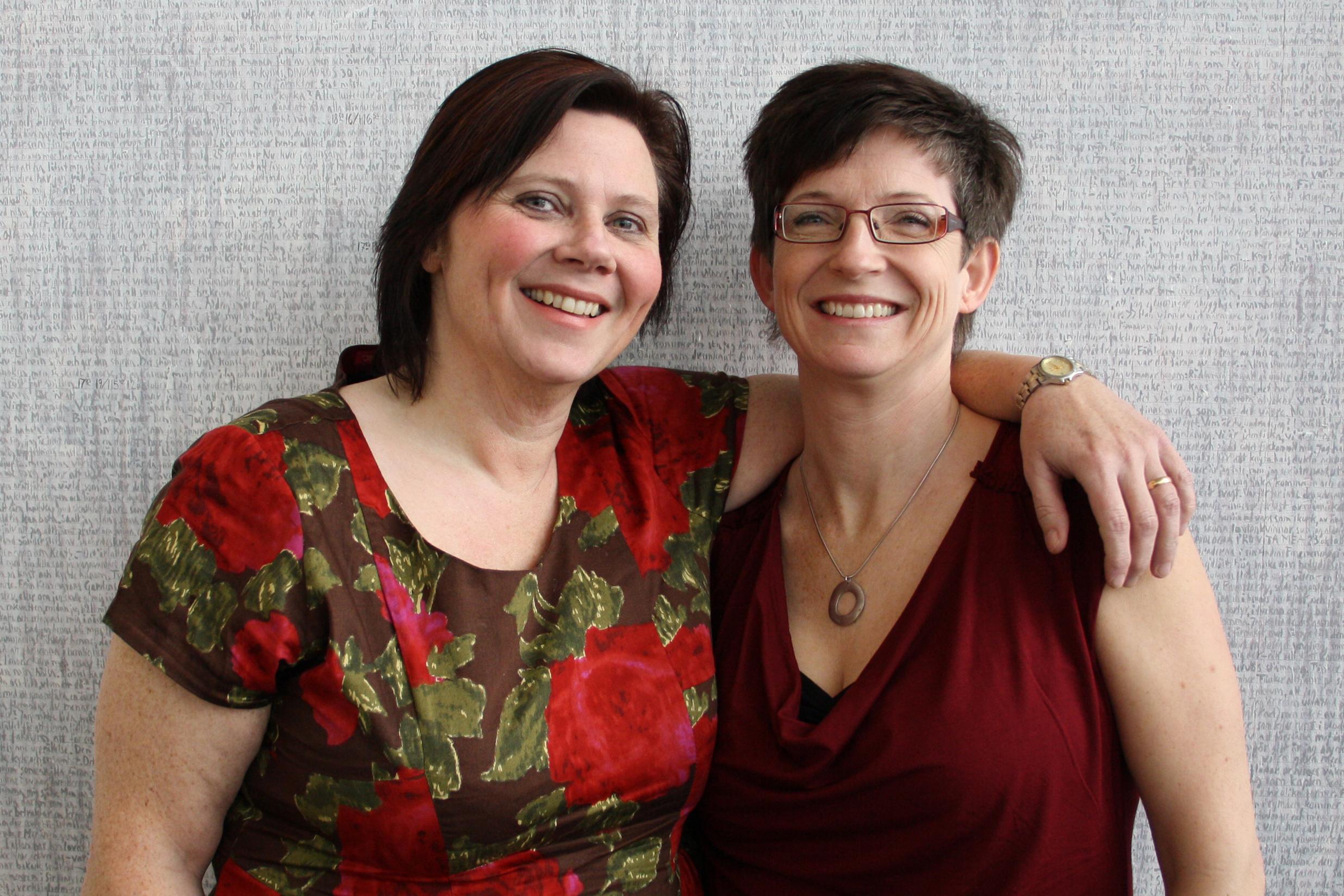 Anette Strandqvist taltidningsredaktör och Marie Westman redaktör för Y-bladet och tillika inläsare vid Inläsningstjänst