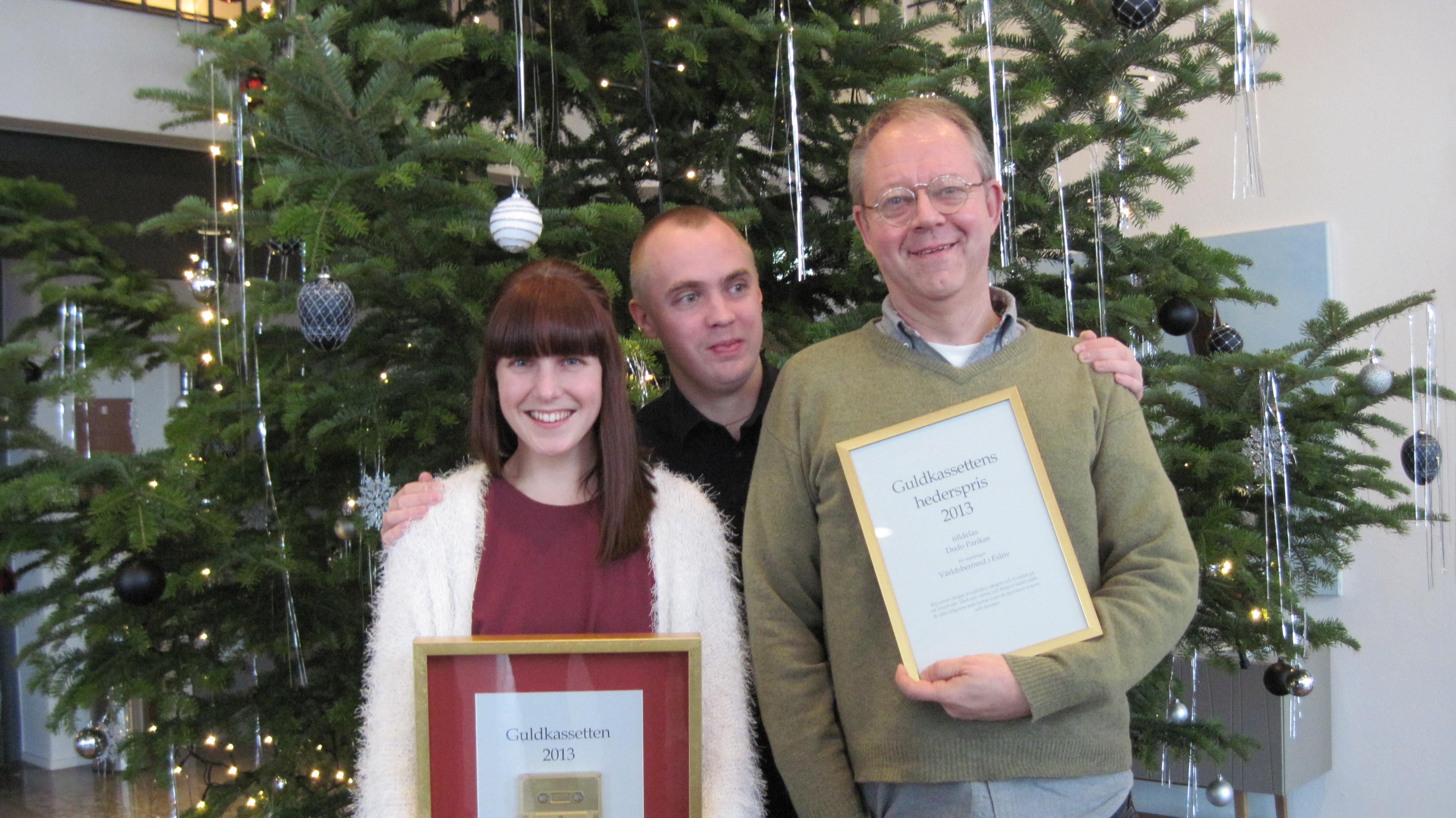 Guldkassettvinnaren 2013 Caroline Gollungberg, prisutdelare Måns Mosesson och hedersprisvinnaren Dodo Parikas.